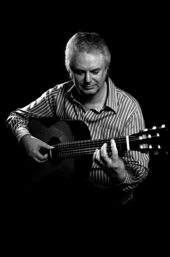 Classical Guitarist Raymond Burley playing his award winning Santos Martinez 039Raymond Burley039 signature guitar